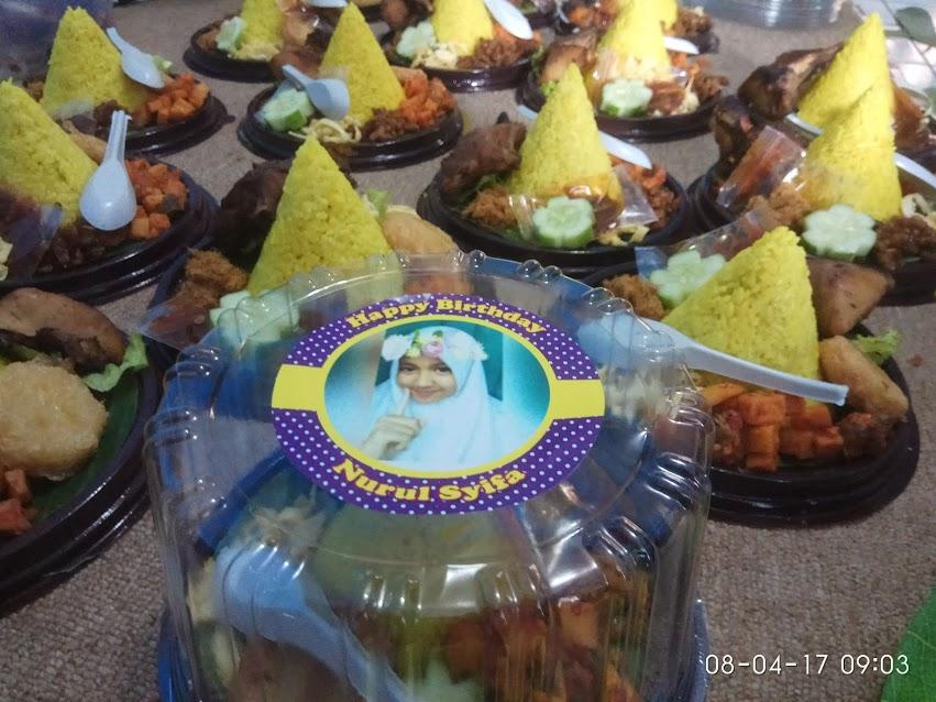 Tumpeng mini lezat untuk ulang tahun