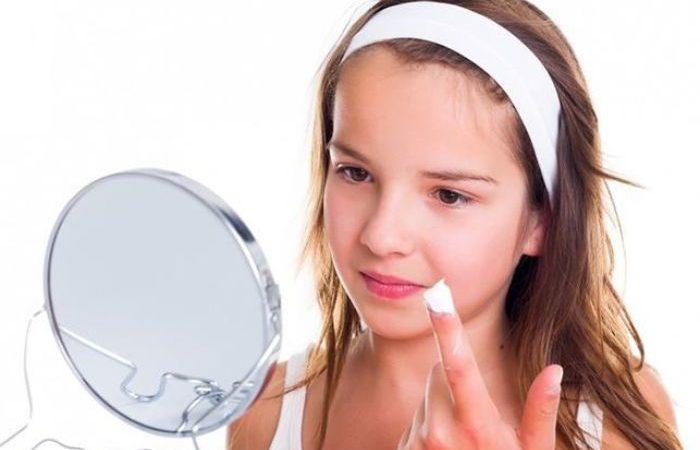 Berapa Umur yang Tepat Untuk Mulai Memakai Parfum?